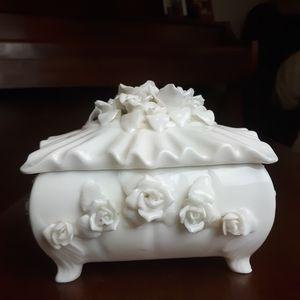 Vintage porcelain floral jewelry box